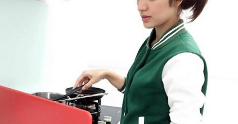 Masak Sambil Tengok Laptop, Amyra Rosli Dikecami